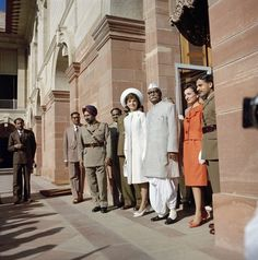 At the residence of the president of India in 1962. | 31 Flawless Photos Of Jackie Kennedy