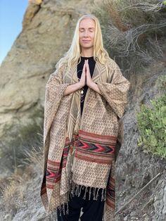 Mens Kimono Shirt, Male Kimono, Nomad Fashion, Sacred Geometry Patterns, Samurai Pants, Organic Lifestyle, Wool Poncho, New Pant, Ethnic Print