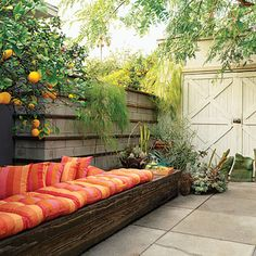 Love this easy sitting area idea for against retaining wall?
