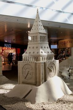 4- sided clock tower Sand Sculpture