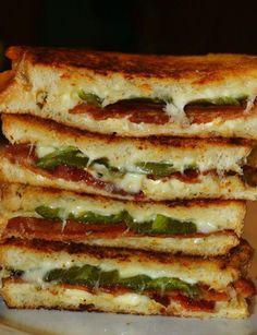 Công Ty Trần Sang | Chuyên Cứu Dữ Liệu Máy Chủ | Server RAID, NAS, SAN | Bacon and Jalapeno Popper Grilled Cheese Sandwiches