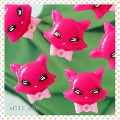 Hey, I found this really awesome Etsy listing at http://www.etsy.com/listing/77897767/5pcs-of-kawaii-miss-kitty-lucite