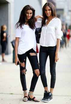 ONLY the one on the right: white shirt + skinny jeans + sneakers <3