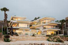 Villa Kali / BLANKPAGE Architects + Karim Nader Studio