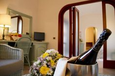Rooms & Suite with Jacuzzi in Pula - Baia di Nora Hotel, Pula, Sardinia Pula, Sardinia, Jacuzzi, Rooms, Mirror, Home Decor, Bedrooms, Decoration Home, Room Decor