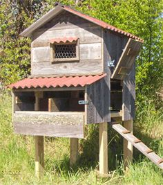 Google Image Result for http://www.westernfarmcenter.com/images/chateau-medium-size-chicken-coop.gif - via http://bit.ly/epinner