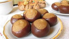 gesztenyegolyó Fotó: Tündi konyha Hungarian Desserts, Cookie Cups, Sugar Art, International Recipes, Cakes And More, Pretzel Bites, Christmas Cookies, Dessert Recipes, Food And Drink