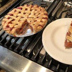 My Own Strawberry Rhubarb Pie Strawberry Cream Pies, Strawberry Rhubarb Pie, Strawberry Cakes, Strawberries And Cream, Gooseberry Pie, Cake Filling Recipes, Tart Filling, Cake Fillings, No Bake Pies