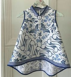 White and black fashion, moda anti-idade branco e azul Batik Fashion, Ethnic Fashion, Hijab Fashion, African Fashion, Fashion Outfits, Womens Fashion, Mode Batik, Batik Kebaya, Dress Anak