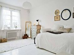 51 Most Beautiful Bedroom Decor Ideas & Inspiration Shabby Chic Apartment, Small Apartment Bedrooms, Vintage Apartment, Apartment Living, Apartment Interior, Studio Apartment, Beautiful Bedrooms, Home Decor Inspiration, Decor Ideas