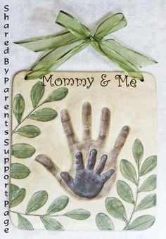 """What a beautiful idea from Facebook """"Parents Support Page"""" to give for Mother's Day to a Mother, Grandmother or a Father's Day gift to a Daddy or Grandfather. I could see a Daddy and child print for Mother's Day for a Mommy ♥ (click here for instructions to make: http://www.facebook.com/ParentsSupportPage?group_id=0#!/photo.php?fbid=376525942456652=a.317608915015022.68511.317585168350730=1) LOVE THIS ♥"""