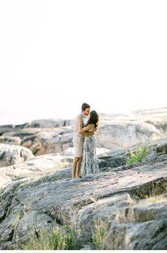 Verträumtes Picknick an der Küste Vancouvers | Hochzeitsguide Vancouver, Parks, Couple Photos, Couples, Romantic Picnics, Engagement, Couple Shots, Couple Photography, Couple