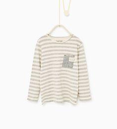 Imagem 1 de T-shirt riscas e bolso da Zara