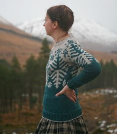 "Kate Davies auf Twitter: ""@textilescotland My Boreal design - festive, but not disposable (unlike so many garments bought, worn and discarded for #ChristmasJumperDay) #wool… https://t.co/j5JdflaWy6"""