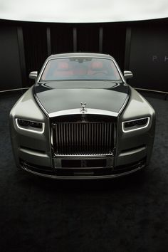 Rolls-Royce Unveils the Newest Phantom—And It's the Best One Yet Rolls-Royce enthüllt das neueste Phantom – und es ist das bisher beste Rolls Royce Phantom, Rolls Royce Wraith, Audi, Bmw, Lamborghini, Ferrari, Gt R, Rolls Royce Wallpaper, Rolls Royce Models