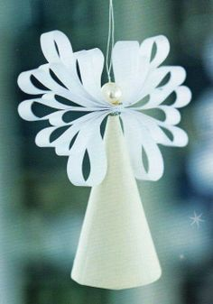 Paper Angel - Christmas Decoration or Ornament Inspiration Handmade Christmas Decorations, Christmas Paper, Christmas Crafts For Kids, Christmas Angels, Christmas Projects, Christmas Tree Ornaments, Holiday Crafts, Christmas Holidays, Christmas Gifts