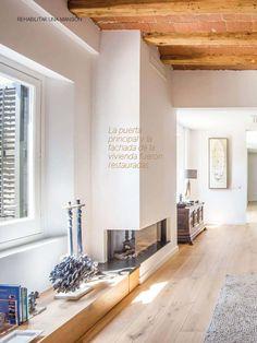 Una cocina Arclinea, abierta al exterior  Revista Casa Viva Nº 233, Octubre 2016  Un proyecto de cocina Arclinea para una gran vivienda antigua y rehabilitada, en Sant Vicenç de Montalt.