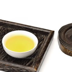 Best green tea brands use quality tea leaves and produce the healthiest green tea for your well-being and joyful moments. Green Tea For Weight Loss, Weight Loss Tea, Best Green Tea Brand, Tea Brands, Chinese Tea, Tea Art, Taiwan, Gin