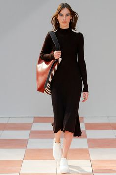 See all the Collection photos from Celine Autumn/Winter 2015 Ready-To-Wear now on British Vogue Celine, Fashion Show Collection, Designer Collection, Winter Collection, Vogue Paris, Vogue Fashion, Runway Fashion, Paris Fashion, High Fashion