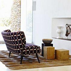 déco de salon : canapé coloré à motif #maison #appartement #mobilier #design #decoration #vivreautrement