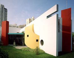 Mulder House (Casa Los Andes), Lima, Peru, Arquitectonica, 1984 Article on Architectural Record Image 01 Source Image 02 Source Image © Roberto Huarcaya Image 03 Source