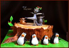 King Julien & the penguins - Cake by TheSugarTemple