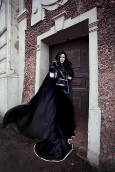 Character: Yennefer of Vengerberg / From: Andrzej Sapkowski's 'The Witcher' Short Stories and Novels & CD Projekt RED's 'The Witcher' Video Game Series / Cosplayer: Vera Green (aka Verisa cosplay - ver1sa) / Photo: RianaG