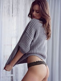Monika Jagaciak topless w nowej reklamie dla Victoria's Secret - Facet