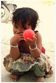#Nepal#Kathmandu#young girl Nepal Kathmandu, Hand Weaving, Textiles, Wool, Hand Knitting, Fabrics, Weaving, Textile Art
