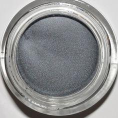 Benefit Strut cream eyeshadow