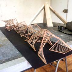 Experiencia de construcción en madera en Valparaíso: estructuras estables de doble curvatura a partir de la línea recta,Cortesía de Verónica Arcos