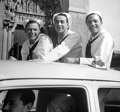 """On the Town"" on location in New York City, 1949.  Frank Sinatra, Jules Munshin, Gene Kelly"