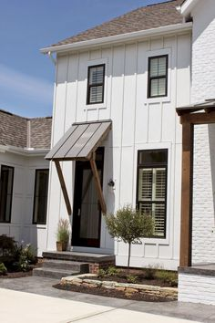 Modern Farmhouse Exterior Designs (28)
