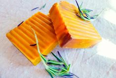 50+ DIY Homemade Soaps that Smell Amazing Handmade Soap Recipes, Soap Making Recipes, Handmade Soaps, Diy Soaps, Honey Soap, Shea Butter Soap, Cocoa Butter, Oatmeal Soap, Homemade Shampoo