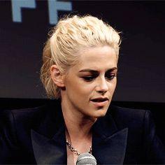 Kristen Stewart Personal Shopper, Kirsten Stewart, Conference, Manicure, Oc, Anna, Actresses, Women, Style