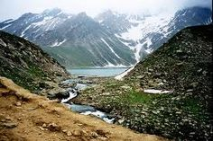 Sheshnag Lake - Jammu & Kashmir, India Its simply picturesque. Amarnath Temple, Beautiful World, Beautiful Places, G Adventures, Life Pictures, Travel Pictures, Cool Places To Visit, Adventure Travel, The Good Place