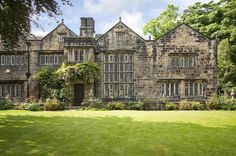 Magnificent country house in Cleckheaton