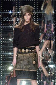 Dolce & Gabbana - Ready-to-Wear - Runway Collection - Women Fall / Winter 2005