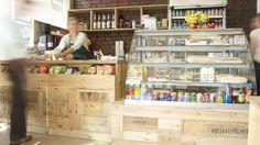 Detalle de Cafetera cerrada por detras