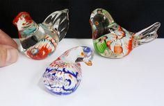 Vintage trio de petites coloré verre vénitien oiseau ornements. millefiore.