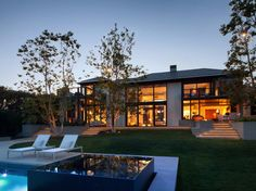 Inspiring mix of modern and traditional in Pacific Palisades dream home