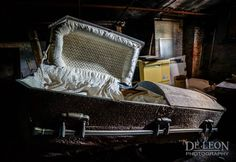 Urban Explorers Unlock Some Creepy Mysteries At This Abandoned Museum