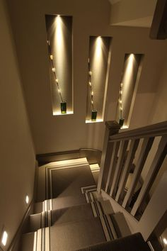 Browse a lot of photos of Stairway Lighting. Find ideas and inspiration for Stairway Lighting to add to your own home. Home Stairs Design, Home Room Design, Home Interior Design, Interior Decorating, Stairs Light Design, Stairway Decorating, Home Lighting Design, Interior Shop, Interior Windows