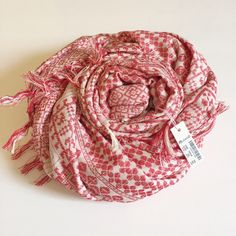 SOLDMadewell Tile Jacquard Scarf Details:           NWT -- Price Firm.           Flame red          3 MORE DAYS UNTIL ITS GONE!           Still $55 on Madewell.com             Style Idea: Try a white tee, jeans, and neutral accessories for a polished Sunday look. Madewell Accessories Scarves & Wraps