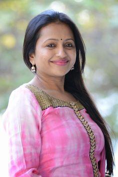 Anchor Suma Kanakala Stills at Gama Tollywood Music Awards Press Meet Photo Sumo, Cool Picks, Photo Checks, Tamil Actress, Music Awards, Hottest Photos, Telugu, Celebrity Photos, Indian Actresses