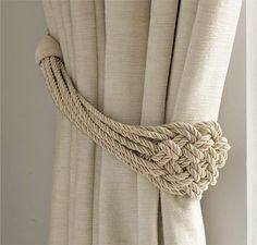Find sophisticated detail in every Laura Ashley collection - home furnishings, children's room decor, and women, girls & men's fashion. Macrame Design, Macrame Art, Macrame Projects, Macrame Knots, Micro Macrame, Macrame Wall Hanging Patterns, Macrame Patterns, Porte Diy, Natural Curtains