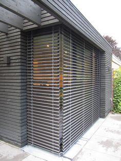 houten gevel, buiten jaloezien (Van Arend Groenewegen Architect BNA)