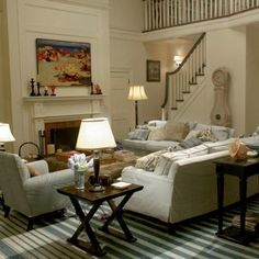 Something's Gotta Give living room #casualfamilyroomdesign
