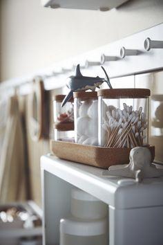 Storage in the bathroom Baby Closet Organization, Camper Hacks, Food Packaging Design, Boho Bathroom, Blinds For Windows, Bathroom Storage, Cool Furniture, Cork, Home Accessories