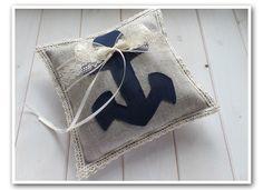 Vintage Ringkissen aus Leinen mit blauem Anker und Dekoschleife aus Spitze - 20er Jahre Look - ein handmade Designerstück von Loveli-Hochzeitsplanung / Olineshop - www.love-li.de